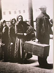 Immigrants entering Ellis Island